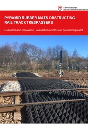 Bild på  Pyramid rubber mats obstructing rail track trespassers - Research and Innovation - evaluation of intrusion protection project.
